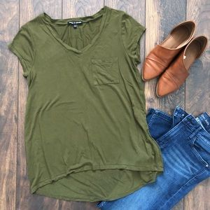 Cable and Gauge soft olive tee SZ M